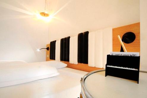 музичний-готель