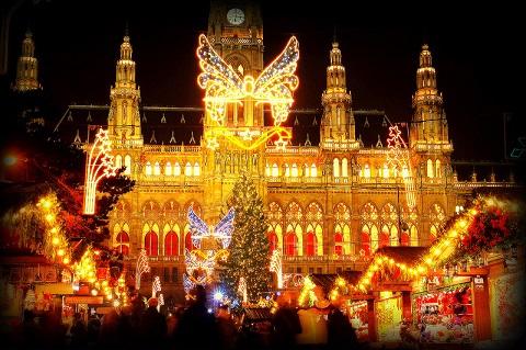 віденська ратуша в різдво
