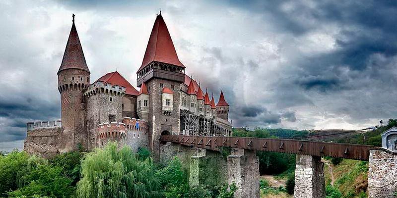 Замок Корвінів Румунія